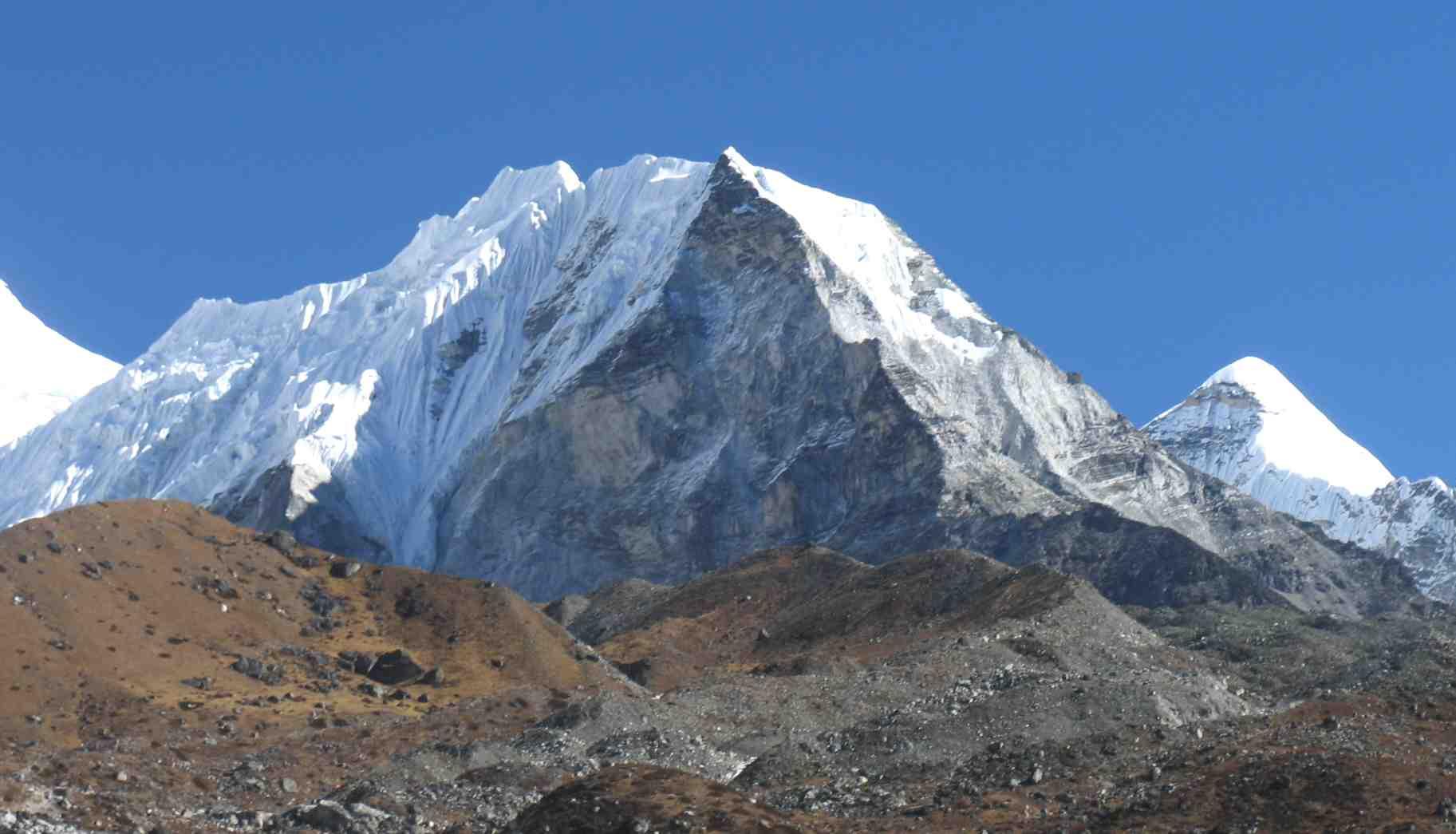 island peak Discover himalayan treks