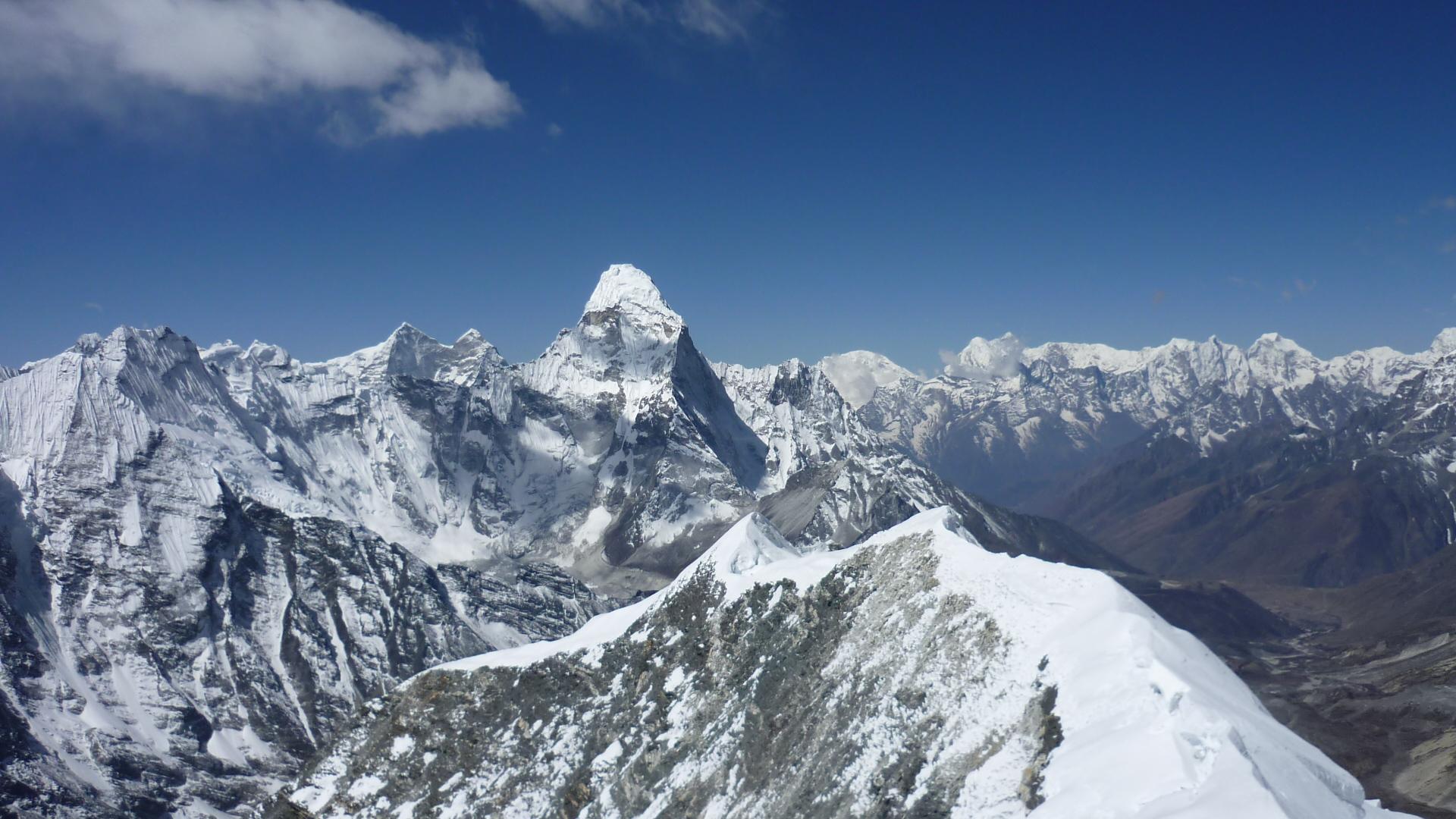 island peak with khumbu traverse- discover himalayan treks