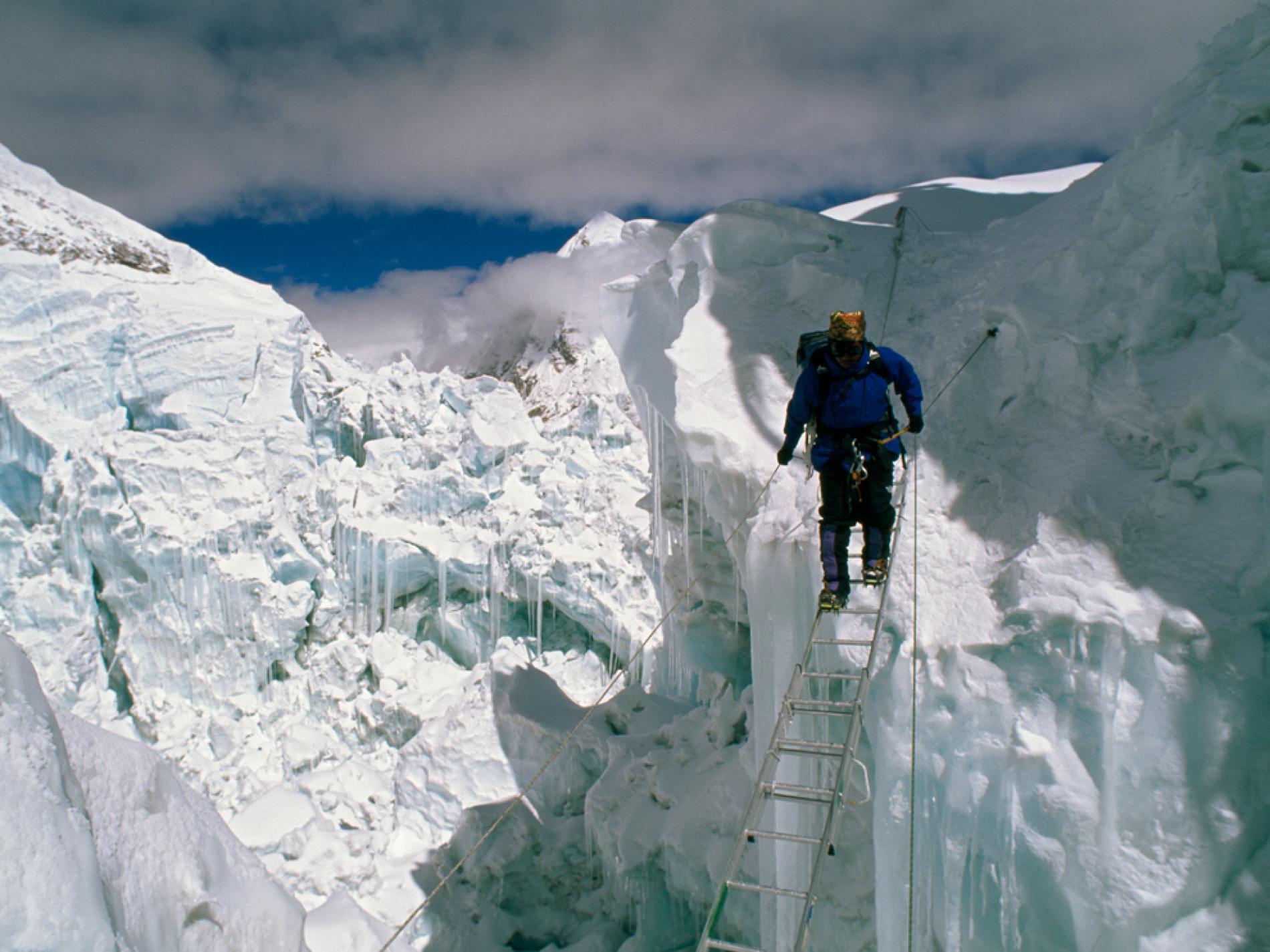 khumbu traverse himalayan discover treks