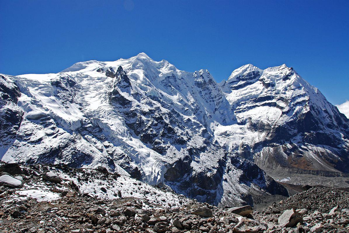 mera peak discover himalayan treks
